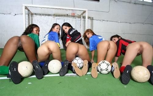 soccerbubblebutts2.jpg